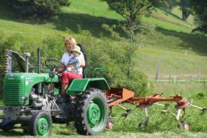 k-traktor-zeiserhof-kind