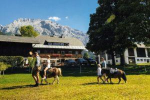 Ponyreiten am Zeiserhof